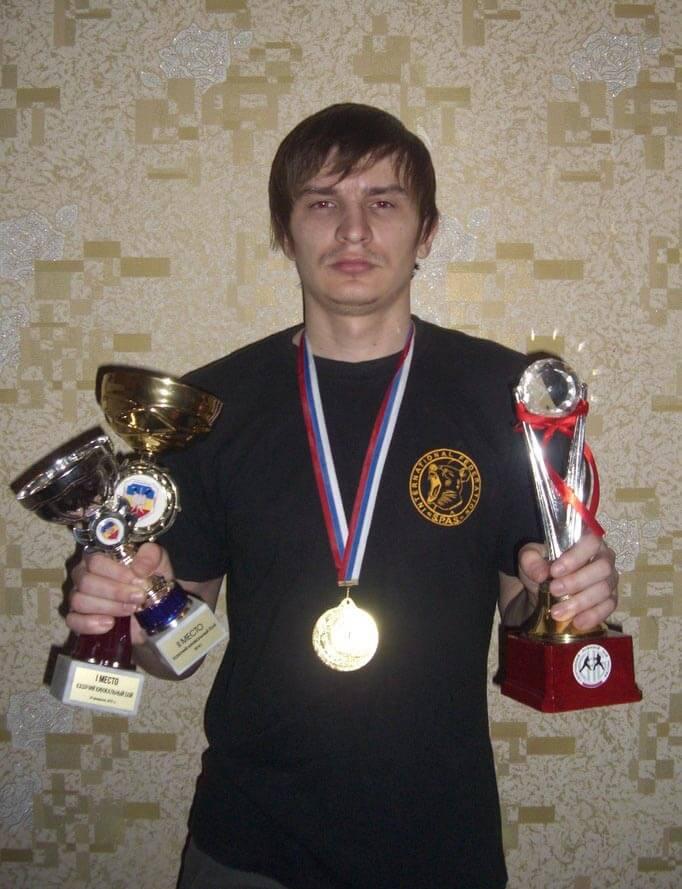 Щеголь Роман